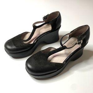 Vintage 90s GUESS black platform Mary Jane shoes
